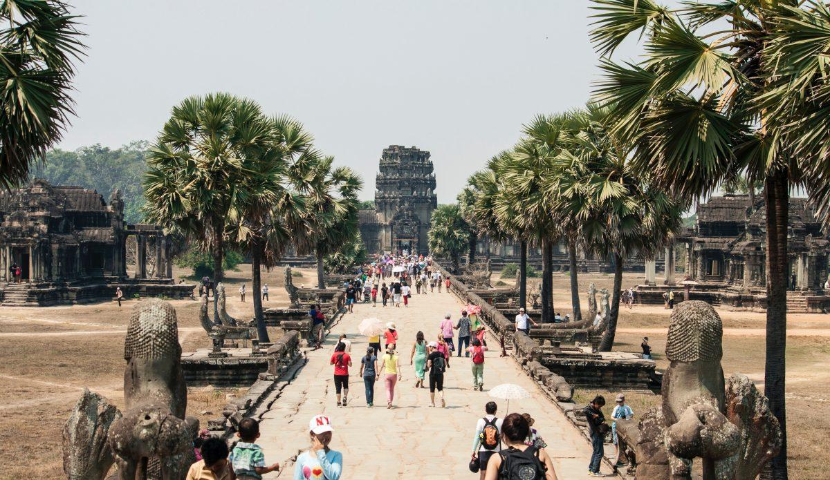 05. Welcome Tourists